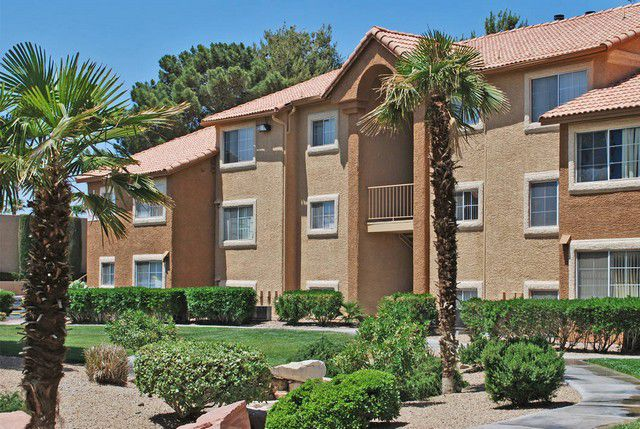 building exterior at Royal Palms Las Vegas Apartments