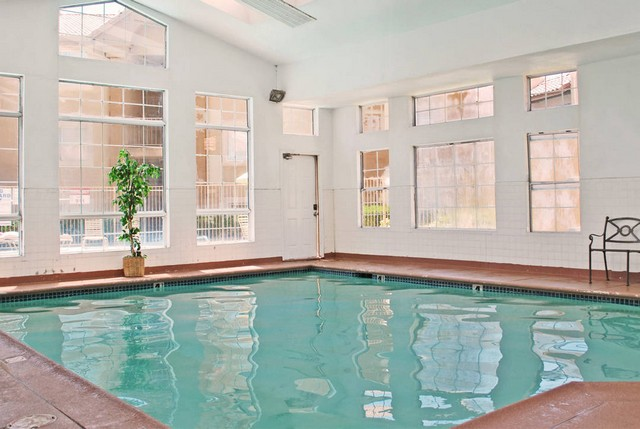 Indoor pool Royal Palms