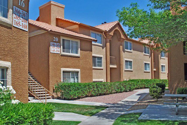 Las Vegas Two Bedroom Apartments walkways and landscaping