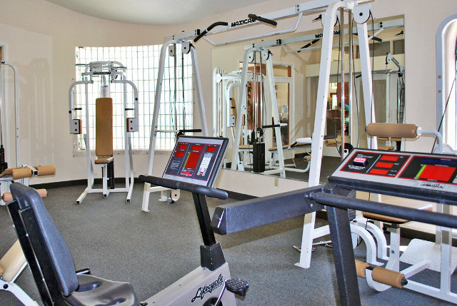 Fitness facility Pacific Islands in Green Valley