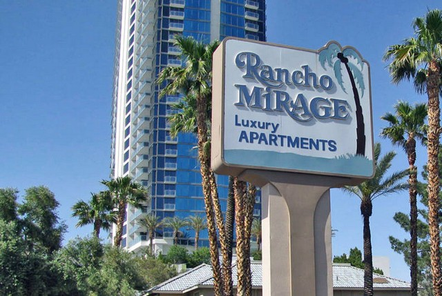Entry sign Rancho Mirage