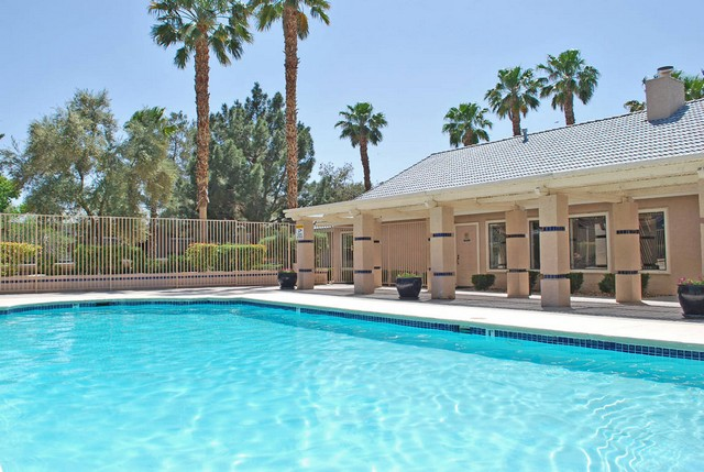 Swimming pool Rancho Mirage