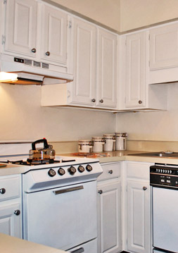 Modern kitchen with amenites at Chesterfield Village apartments in Richmond, va