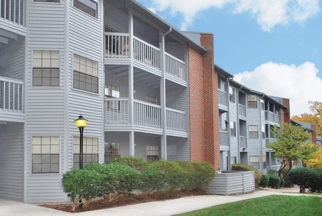 Chapel Hill Two Bedroom Apartments walkway