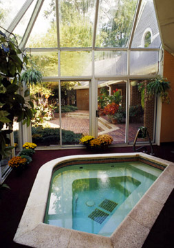 Glen Allen apartments with hot tub access for residents.