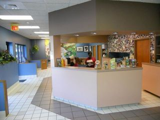 Lobby 1sm Chastain Animal Clinic