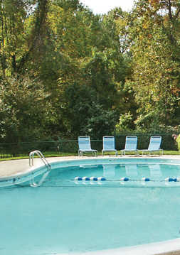Pool Brook Hill Townhouse Apartments