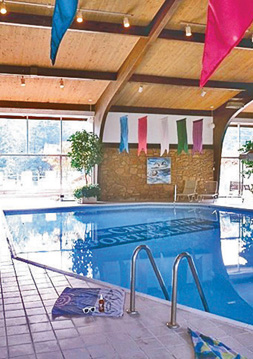 Indoor pool Pines of Ashton