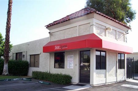Street view of self storage in Palm Springs