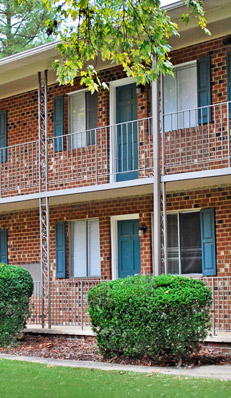 Estes Park apartments in Carrboro have great amenities.