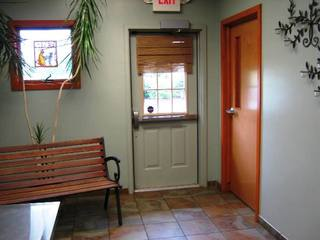Exam room Niles Veterinary Clinic