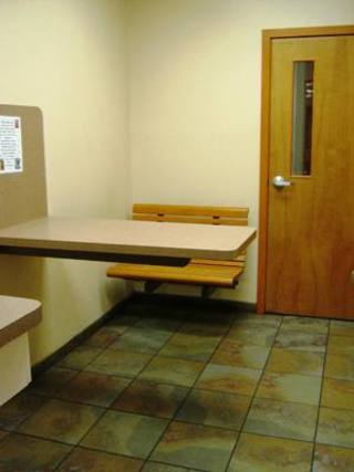 Exam room1 Niles Veterinary Clinic