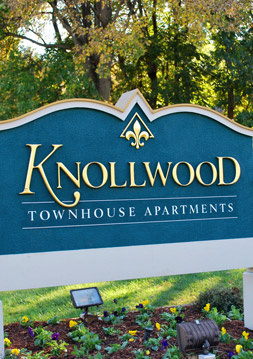 Contact Knollwood Townhouse Apartments in Burlington, NC.