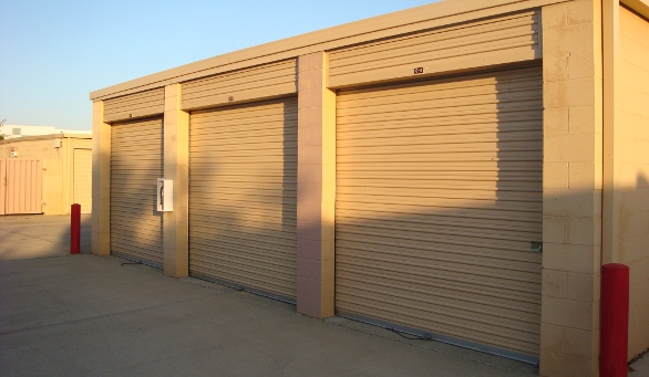 Unit exterior Harbour Point Self Storage