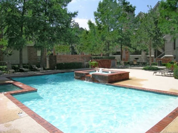 Reflections at Valley Ranch in Irving includes a pool
