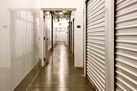 clean hallways at Glendale self storage