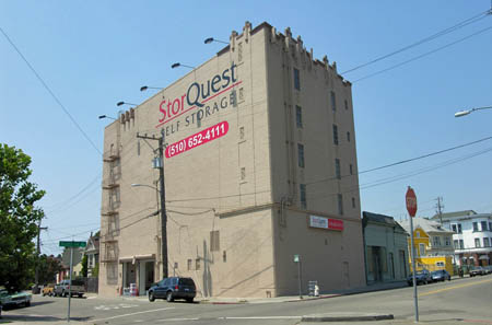 StorQuest Self Storage in Oakland CA, CA 94609