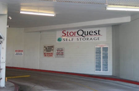 Indoor drive way kakaako StorQuest Self Storage