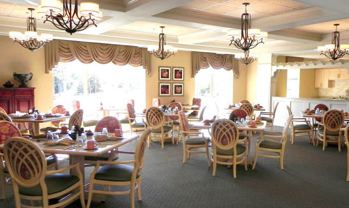 Fine dining Highgate Senior Living