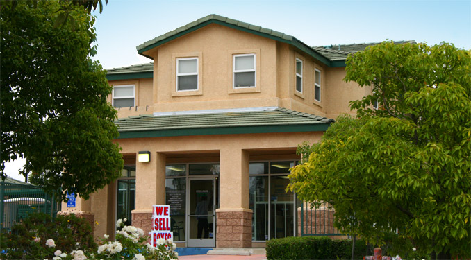 Office exterior of Self Storage in Simi Valley