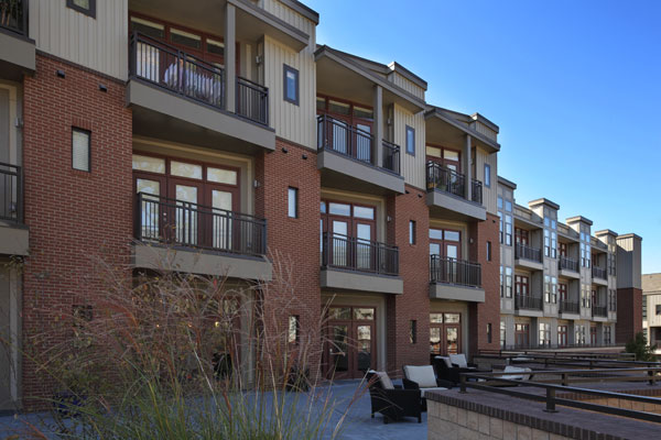 Apartments in Chapel Hill, NC with private patios and balconies