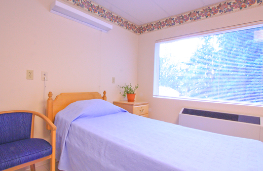Our Everett senior care feature bright and open senior bedrooms