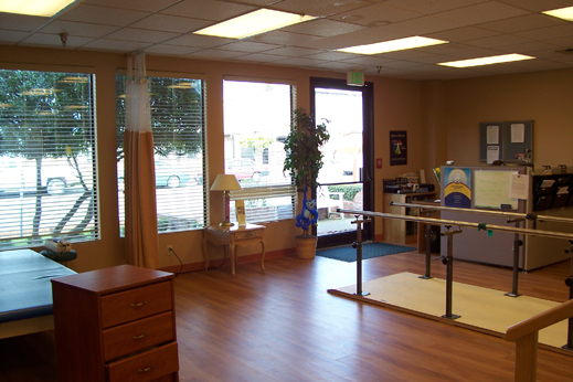 Our Auburn senior care feature state of the art therapy center