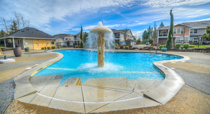 Luxury swimming pool at Puyallup apartments