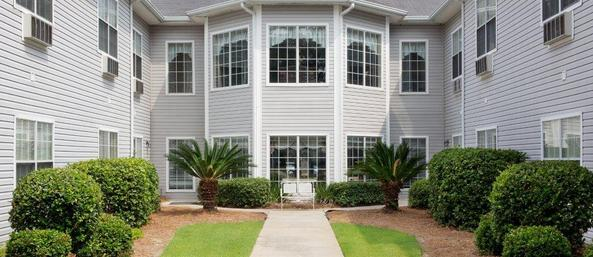 10 exterior courtyard bay windows Summer Breeze Senior Living