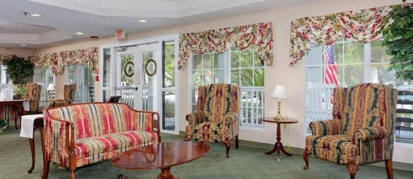 11 lobby Summer Breeze Senior Living