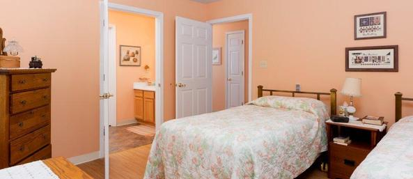 27 cottage interior en suite Summer Breeze Senior Living
