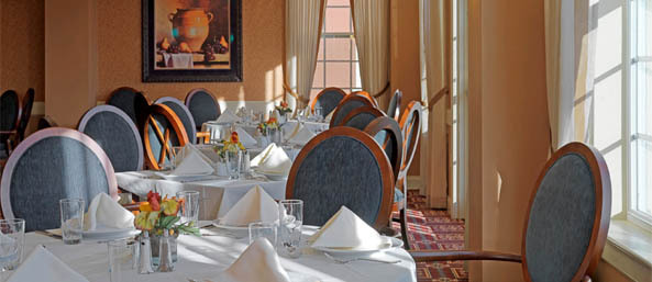 Nh assisted bentely dining Bentley Commons at Keene - Senior Living