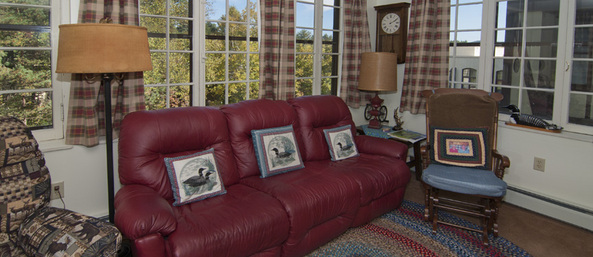 Residence lr Saranac Village at Will Rogers - Independent Living