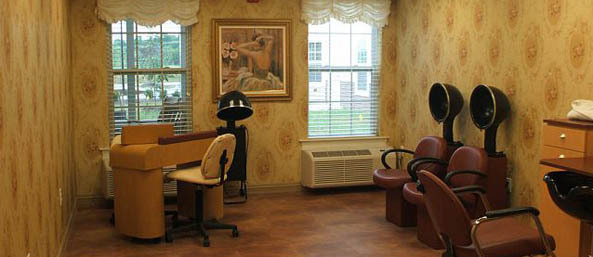Va beauty salon Bentley Commons at Lynchburg - Independent Living