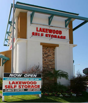 1 2697917 paramountblvd 396 Lakewood Self Storage