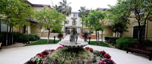 Ventura ca courtyard resized Cypress Place Senior Living