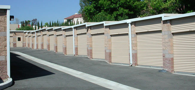 Cochran Self Storage facility in Simi valley, ca
