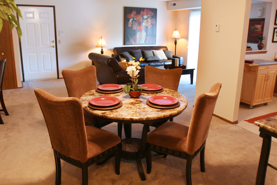 Dining area at the Portage Pointe Apartments