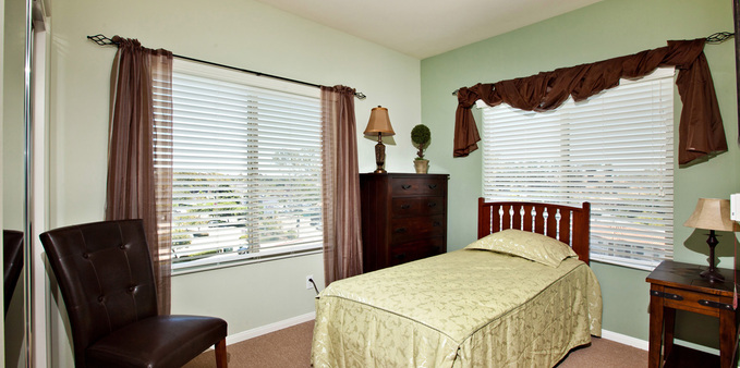 A unit prive suit Plaza Village Senior Living