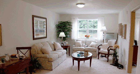 living room at Southern Pines Retirement community