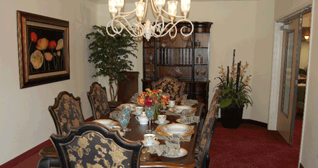 formal dining room at Southern Pines Gracious Retirement Living