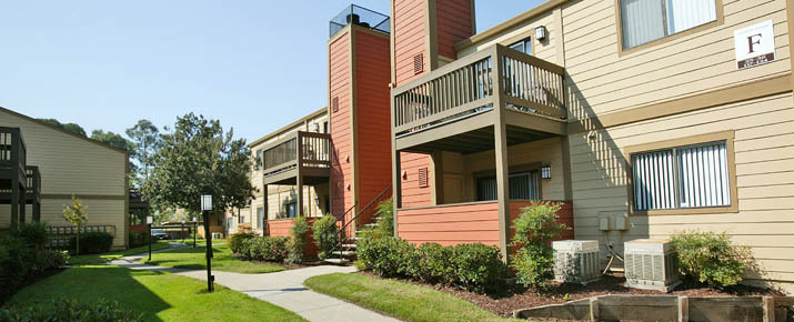 Now renting at Copper Creek Apartments, CA