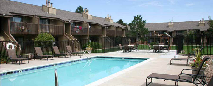 Rent apartment homes at Canterra At Fitzsimons, CO