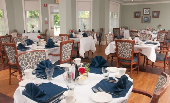 Dining Ashland Farm at North Andover