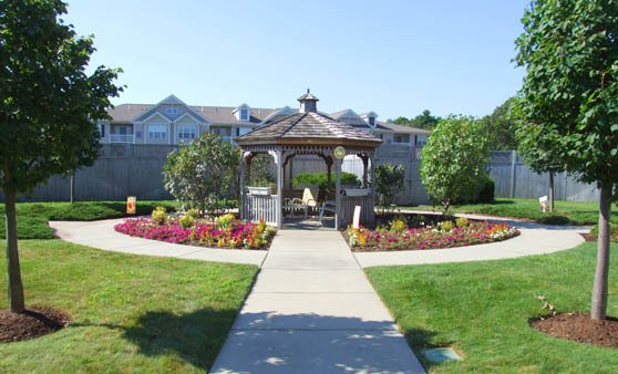 Quincy memory care at The Atrium at Faxon Woods, MA