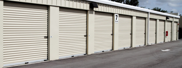 Exterior rental units at Northgate Storage in Salem Oregon