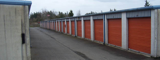 Exterior units at Freeway Self Storage in Tacoma Washington
