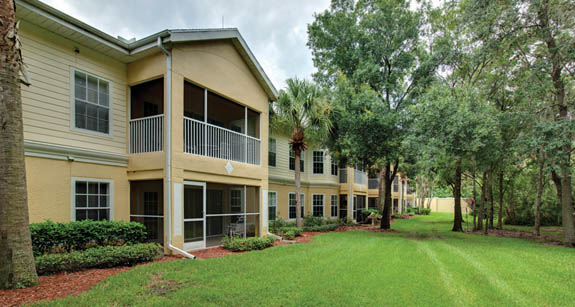 Exterior independent senior living apartments in Sun City Center, Florida