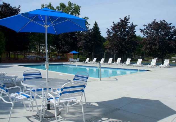 Relaxing pool at our Rochester Hills apartment rentals