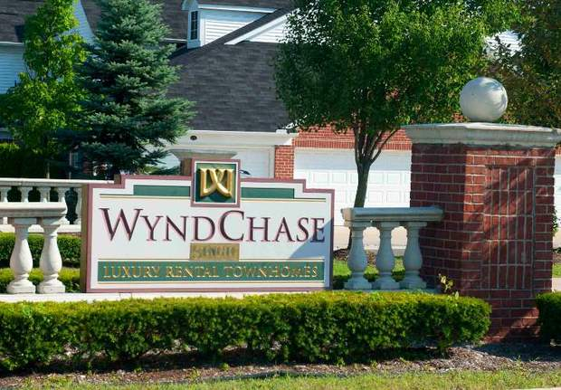 Entry sign Wyndchase